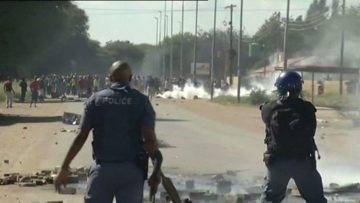 south-africa-ramaphosa-leaves-commonwealth-summit-to-deal-with-protests