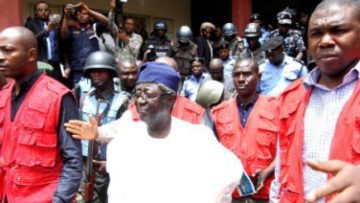 Ex-gov.-Jang-remanded-over-alleged-N6.3bn-fraud-400×212