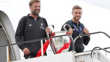0_Champions-League-Liverpool-arrive-back-in-Liverpool