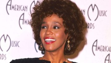 whitney-houston-1990